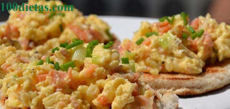 huevos-revueltos-con-salmon